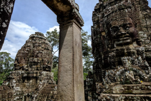 Smile of Angkor, Avalokitheshwara faces