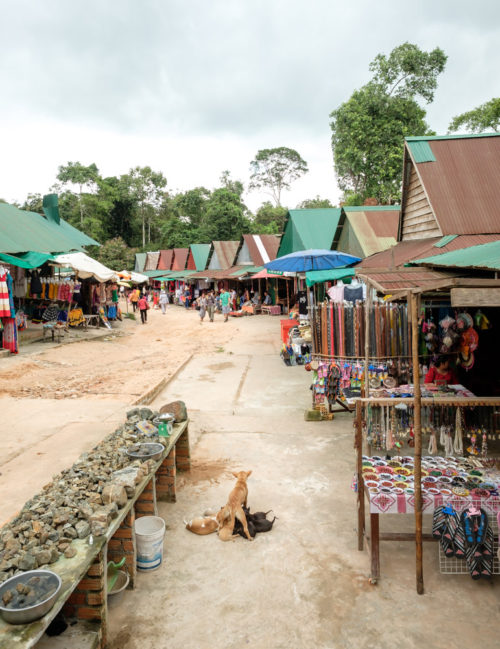 Souvenir & food stalls at Kulen Waterfall