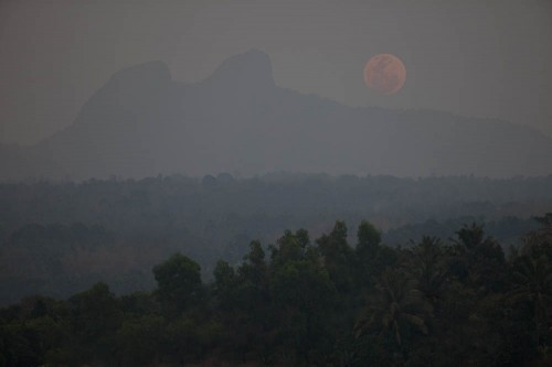 Raising Supermoon Over Konaje Kallu