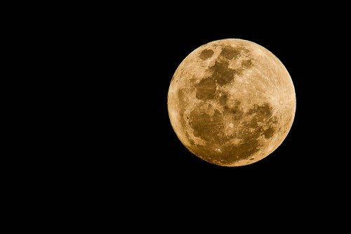 Supermoon with 300mm + 2.0x + 1.4x