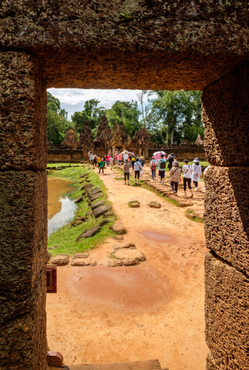 Path leading to the main Banteay Srei temple